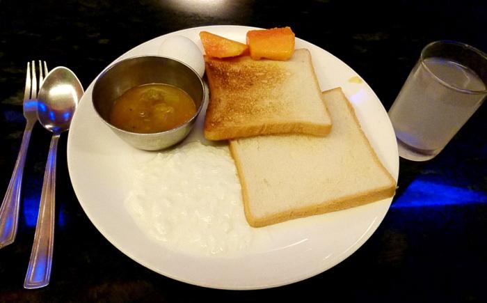 スタンダードホテルの朝食