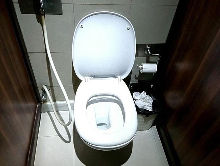 ショップのトイレ