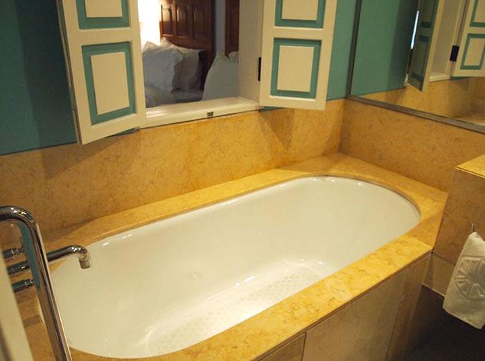 宮殿ホテルの風呂