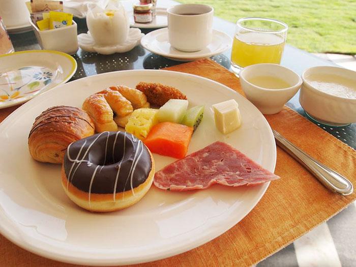 宮殿ホテルの朝食