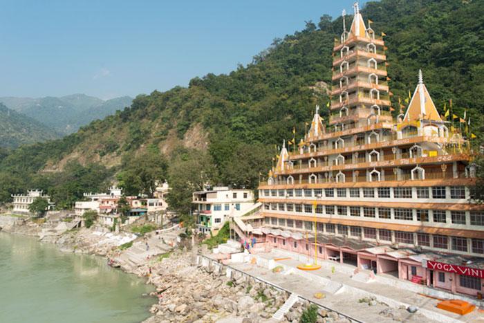 シュリ・トラーヤンバクシュワール寺院